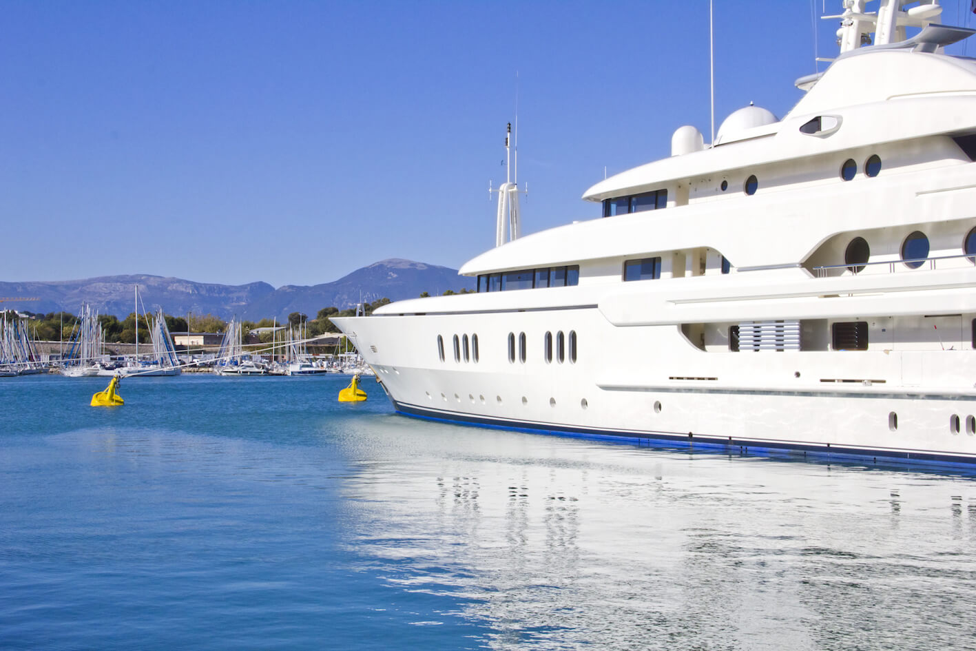 Tips to find work on a Superyacht
